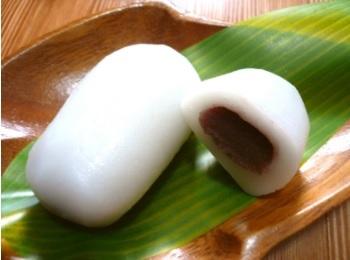 新潟県十日町市にある松之山温泉の名物「志んこ餅(しんこ餅)」